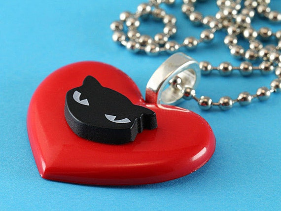 Heart & Black Cat Necklace - Kitsch Pendant - Red and Black