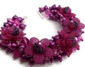 Magenta Pearl Beaded Bracelet With Flowers, Cluster Bracelet, Chunky Bracelet, Purple Bracelet, Bridesmaid Bracelet, Wedding Jewelry