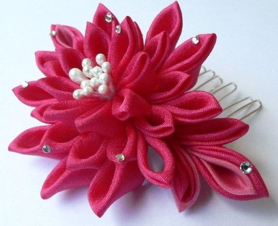 Hot Pink Fuchsia Chrysanthemum - Kanzashi Fabric Flower Hair Comb - Made To Order