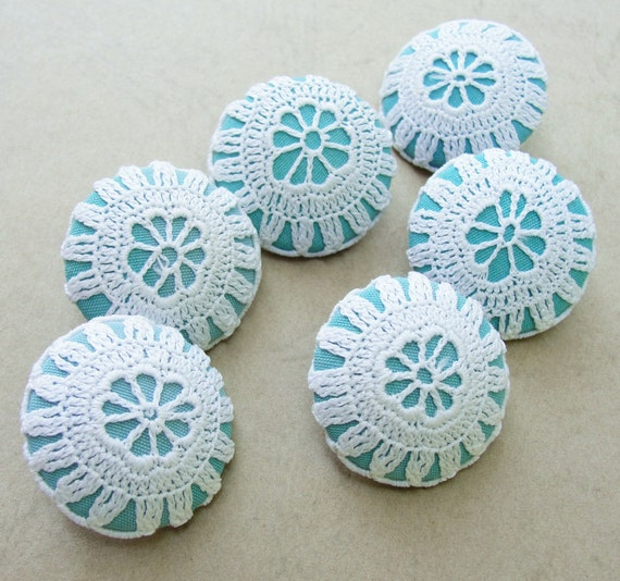 Fabric Covered Buttons -  Vintage Crochet - 6pc