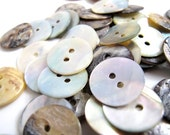 SALE such a bargain Buttons x50 pretty pearls MOP 18mm approx
