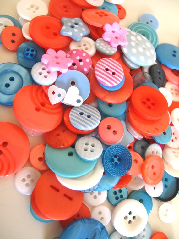 Buttons Sea Coral :NEW 100g mixed buttons bag UK