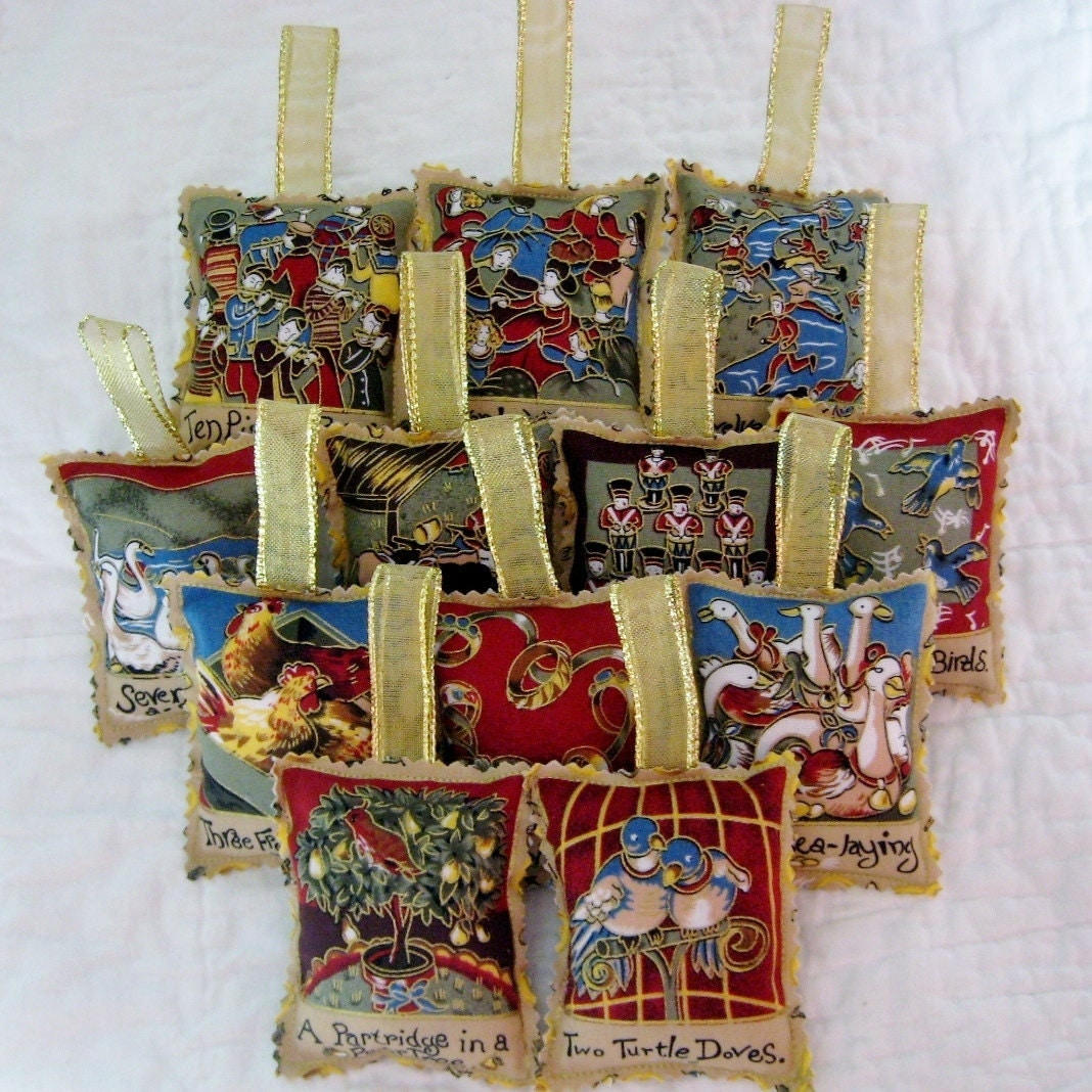 Days of christmas ornament set