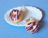 Vanilla Donuts - Dangle earrings (polymer clay), donut earrings, polymer clay donut earrings, doughnut earrings, polymer clay doughnut