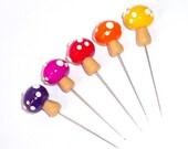 5X Colorful Mushrooms Sewing Pins Topper, mushroom stakes, mushroom pins, polymer clay mushroom, terrarium mushroom, mushroom cake topper