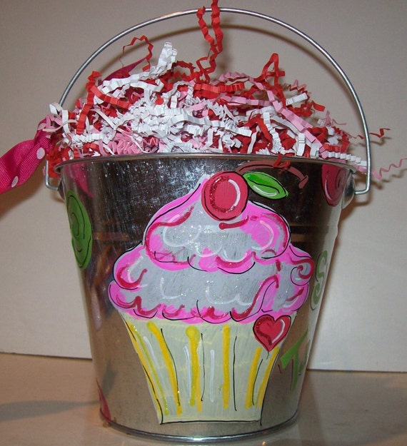 Cute Cupcake Bucket personalized for you