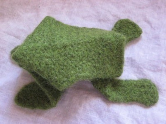 Knitted Frog Pattern : Knitted Origami Frog Pattern by tikkunknits on Etsy