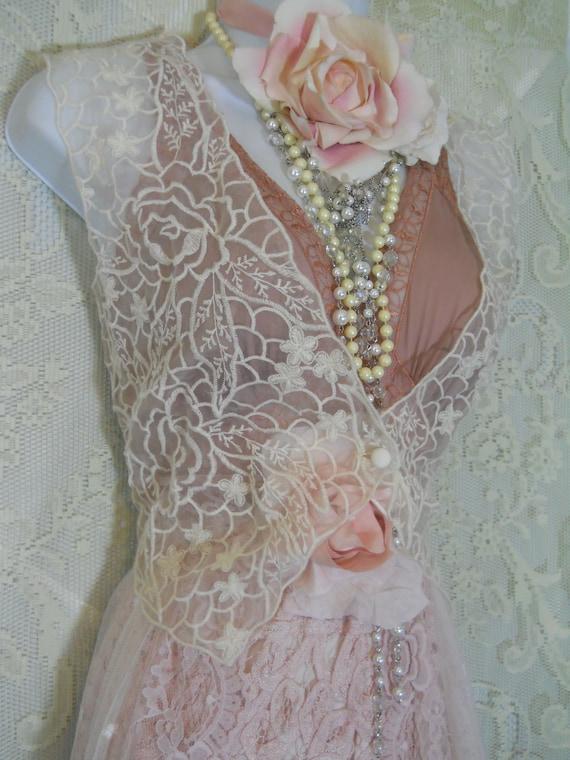 White lace vest waistcoat over blouse jacket shrug vintage boho mdium large  from vintage opulence on Etsy