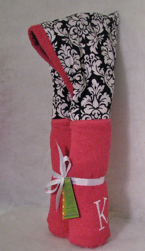Personalized black dandy damask on hot pink Hooded Bath Towel