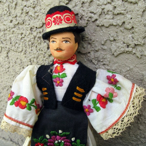 Vintage Hungarian Doll In Traditional Clothing