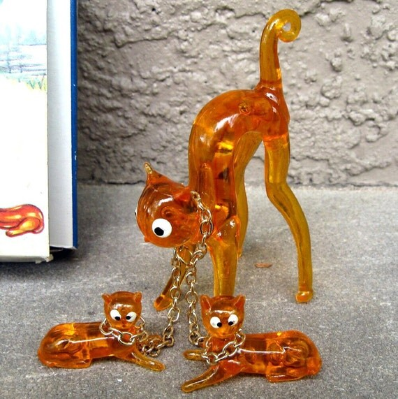 Vintage Orange Cat and Kittens