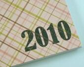 2010 Spiral Bound Half Page Weekly Planner \/ Calendar (Pink Plaid)