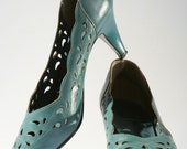 Vintage SCALLOPED EYELET smokey blue pumps, Clarks,  size 7 1\/2, EUR 37.5