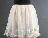 CARRY BRADSHAW style WHITE TULLE layered DOTTED mesh mini skirt, size Small, Medium, size S / M