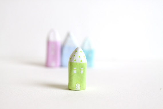 Little Home No 162 - Light green with polka dots