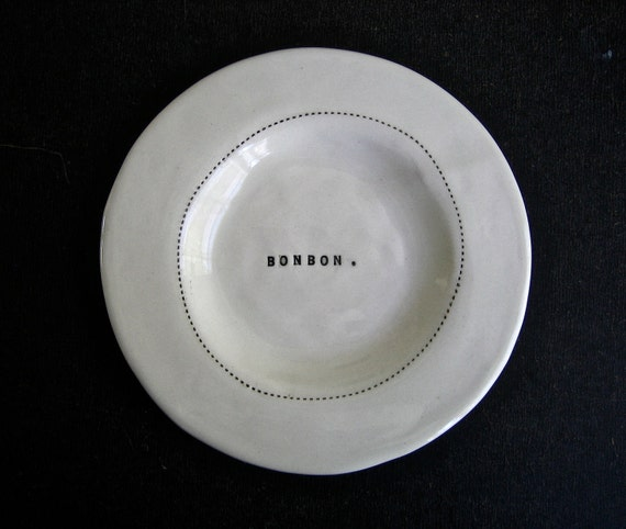 wide rim wafer plate (BONBON).