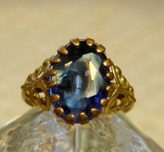 SALE Vintage Czechoslovakia Ring