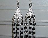 Choose your pair of earrings