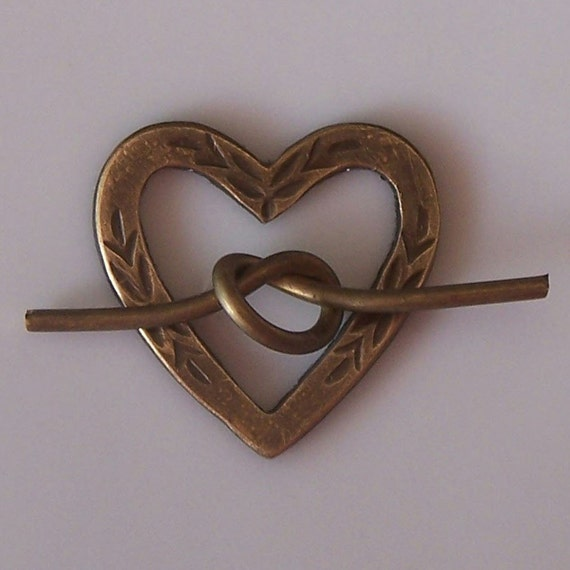 Brass Bouquet's -  Lover's Heart Toggle (1 set) Item 1210
