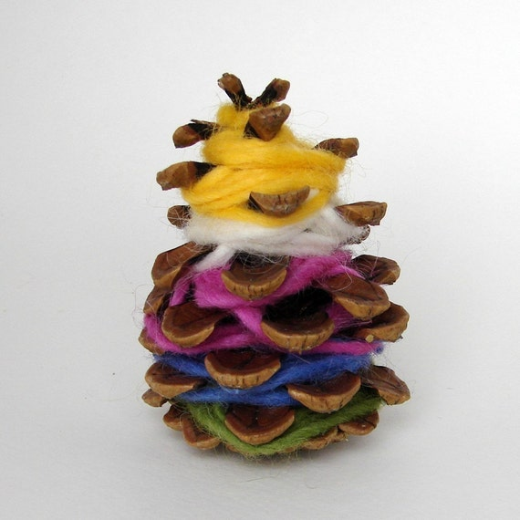 Pinecone Weaving -- Handwork kit for all ages