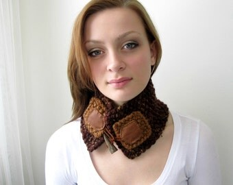 Rustic Short Cowl with Leather and Toggles. Handknit Chunky Necklet, Neckwarmer.