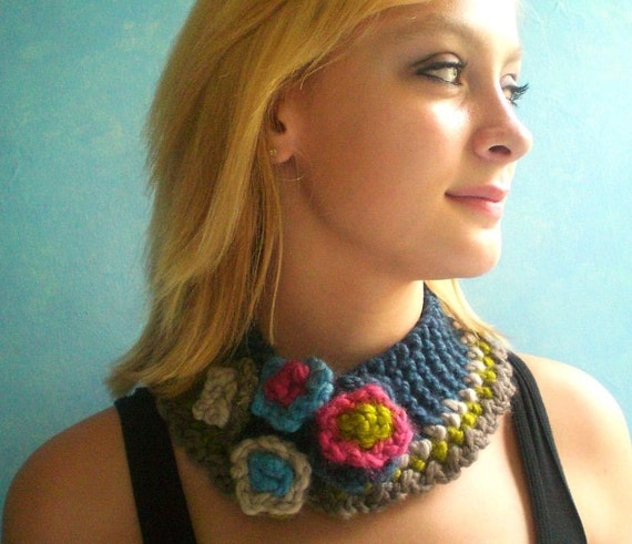 Denim Necklet with Flowers