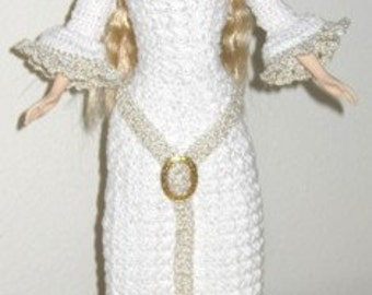 Lady in White Medieval Dress crochet pattern for Barbie