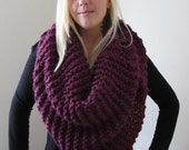 Super Snuggly chunky knit cowl Purple. Mulberry. Plum. Infinty scarf. Circle scarf. Hand knit.