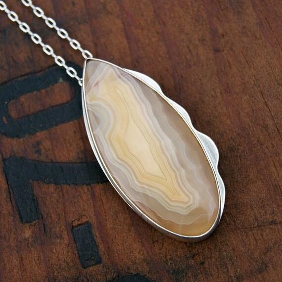 Buttercup, a Moctezuma agate necklace