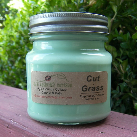CUT GRASS SOY Candle - Highly Scented