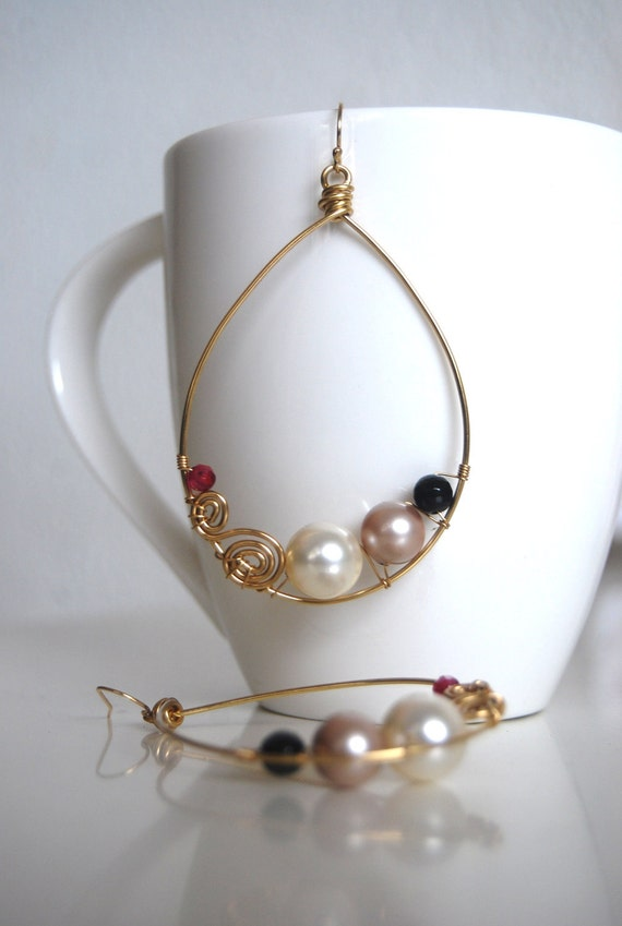 Klimt - asymmetric drop - cream and champagne Swarovski pearls, fushcia agate, onyx