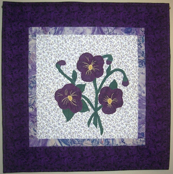 Pansies appliqued wall hanging mini quilt