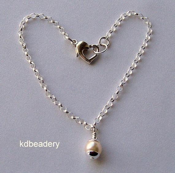Ivory Pearl Drop Bracelet. Sterling Silver. Heart Clasp. Bridal. Valentine Heart.
