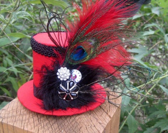"Luna Bella ""Tia"" Steam Punk Red and Black Mini Top Hat"
