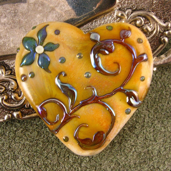 Kerribeads Lampwork Large Victorian Heart Focal Bead