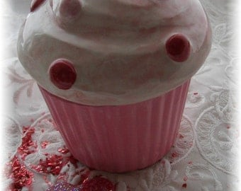 Cupcake Trinket Box in pinks reds