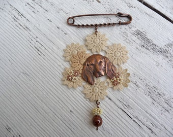 Handmade brooch lace and dog finding