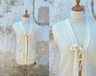 Vintage 1970 simple sleeveless cardigan size M