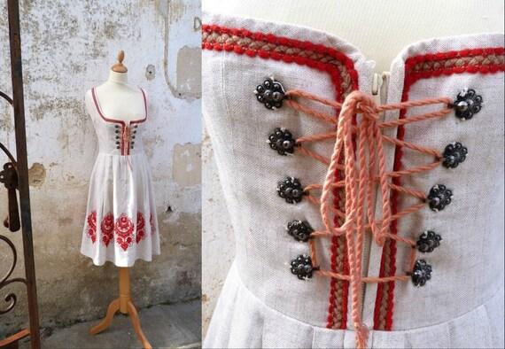 Dirndl dress vintage 1970 linen embroidered red oktober fest dress size M
