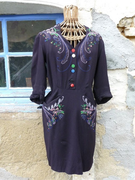 China girl Vintage 1940 chinese embroideries black dress size Medium