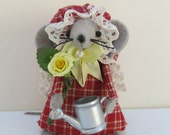 Rose Gardener Mouse RESERVED for FAFOFG