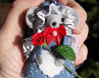 Felt Animal Mouse Gardener Handmade Mice Mom Gift Red Rose by Warmth