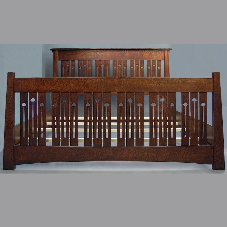 Arts and crafts king bed mackintosh style with a tall for Arts and crafts beds