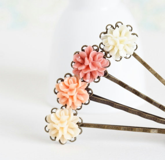 Vintage Style Flower Hair Pins in Peach and Cream - Flower Bobby Pins, Peach Pink Ivory, Wedding Hair Pins, Hair Accessories, Spring Fashion