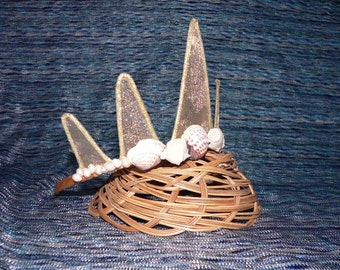 Gold Mermaid Crown with Seashells and Pearls