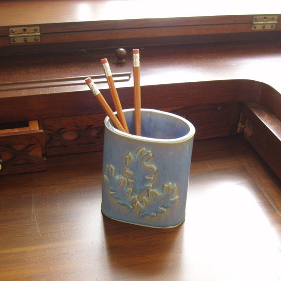 Oak Leaf Pencil Pot . blue