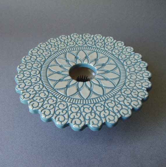 handmade pottery ikebana vase doily lace periwinkle blue