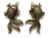 2pc Antique Bronze fish pendant charm CH492