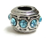 6pcs Metal beads with Blue Rhinestones - Nickel free and Lead free