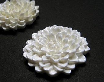 3pcs Resin Flower Chrysanthemum Cabochon - ivory